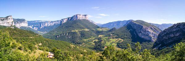 Panorama sur le massif du Vercors depuis le col de Toutes Aures