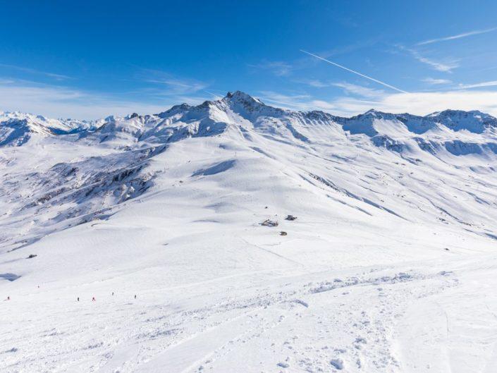Le col de la Madeleine depuis le massif de la Lauzière, en hiver
