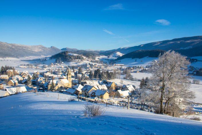 Le village de Méaudre en hiver