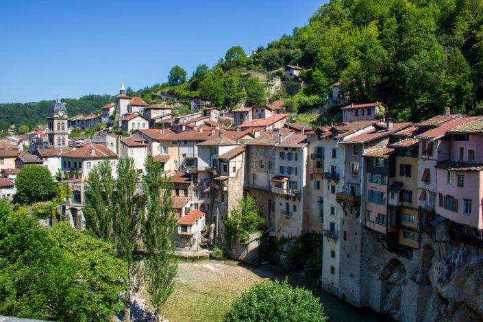 Le village de Pont-en-Royans dans le Vercors, France